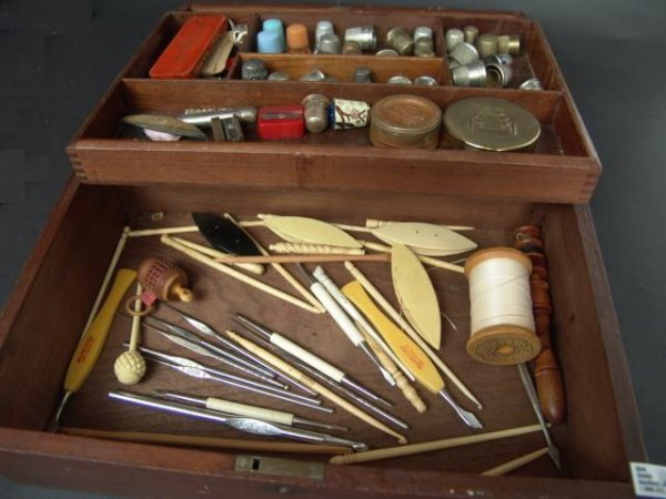 518: ANTIQUE WALNUT SEWING BOX FULL OF COLLECTIBLES