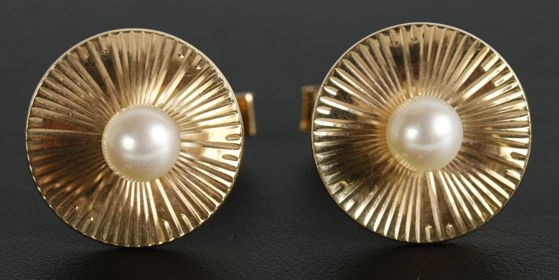 PAIR VINTAGE 14 KT GOLD CUFFLINKS WITH PEARLS