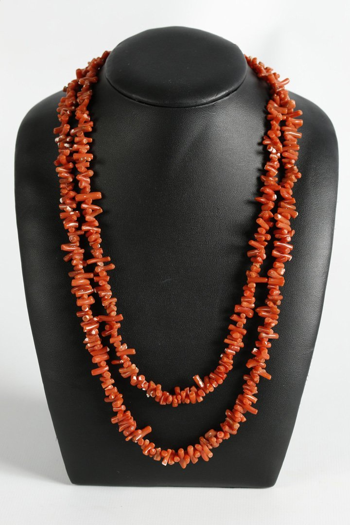 A 44-INCH SHORT BRANCH CORAL BEAD NECKLACE