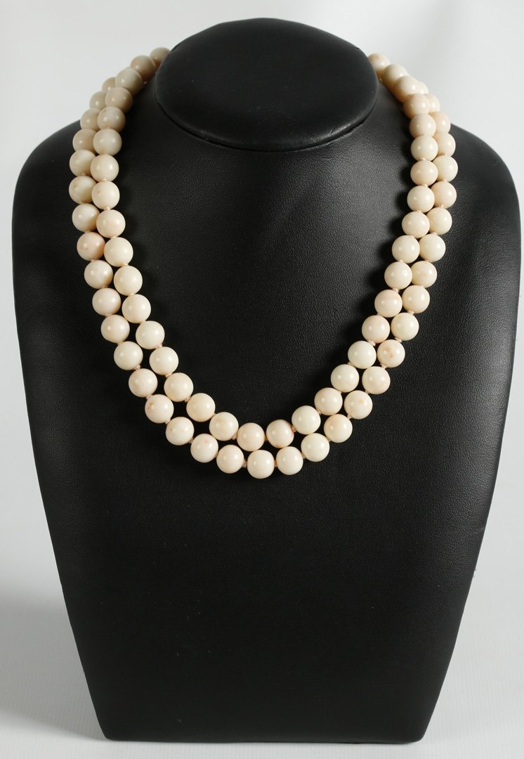 DOUBLE STRAND CORAL BEAD NECKLACE WITH 14 KT CLASP