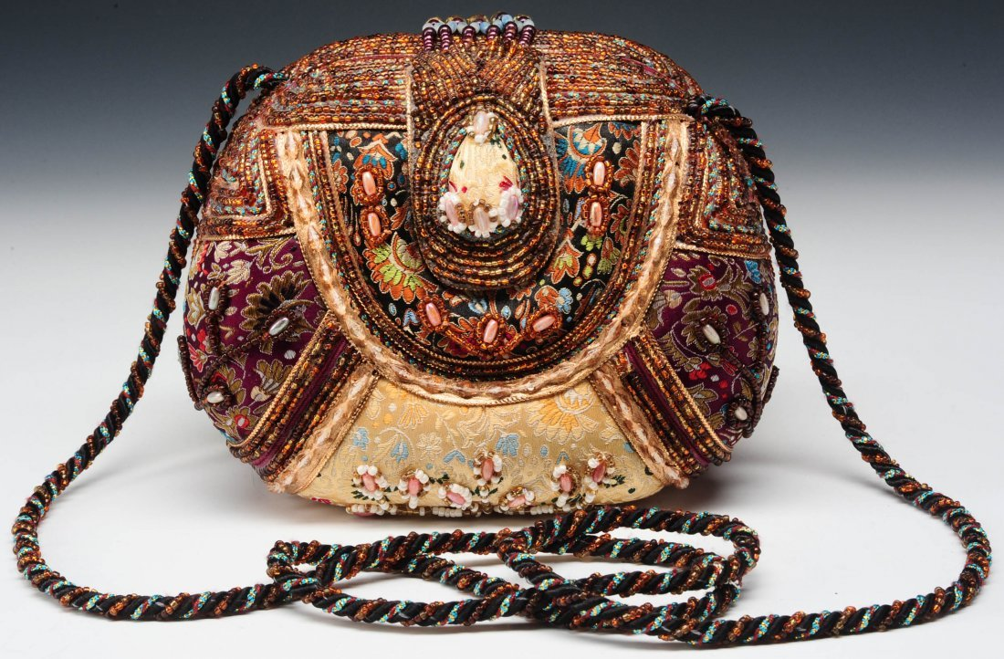 MARY FRANCES PURSE IN SATIN BROCADE WITH BEADING