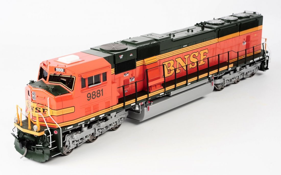 O GAUGE BNSF SD70MAC 9881, OVERLAND MODELS