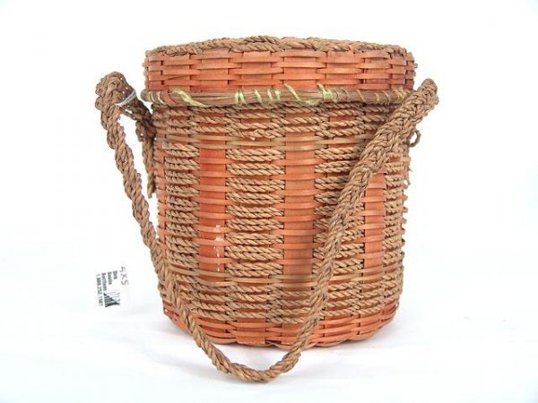 491: AMERICAN INDIAN COV'D BASKET WOVEN WITH SWEET GRAS