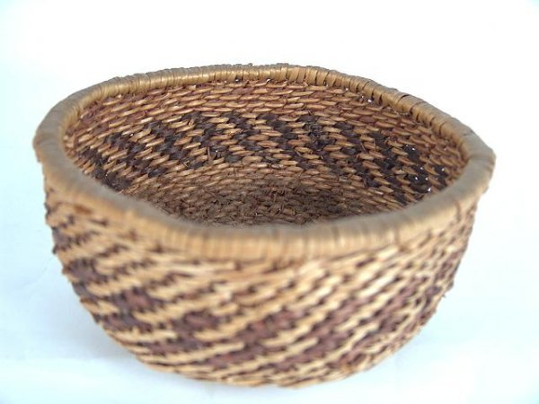 493: WALPI AMERICAN INDIAN WOVEN BASKET IN TWO COLORS