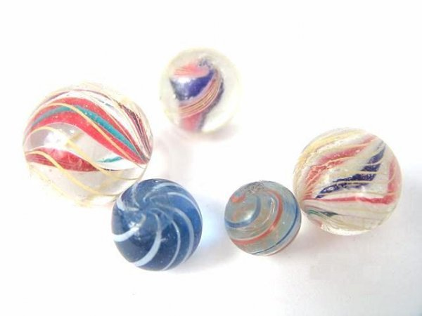 2003: GROUP OF 5 NICE ANTIQUE SWIRL MARBLES