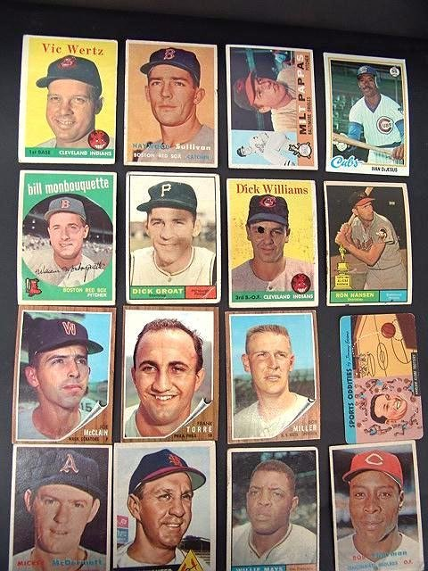 2022: GROUP OF '50'S AND '60'S BASEBALL CARDS