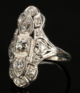 An Antique Platinum Ring Approx. 1.00 Ct Tw Diamonds