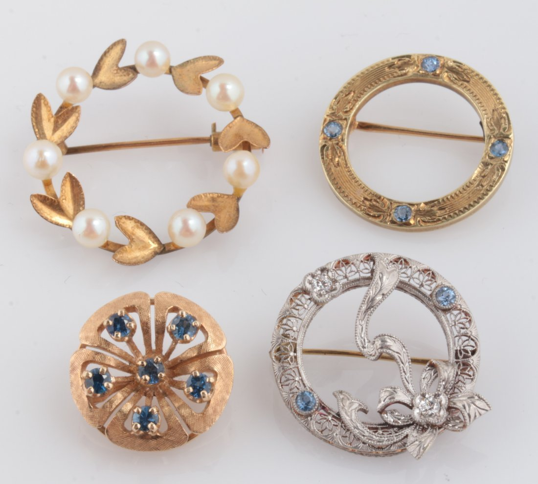 FOUR VINTAGE AND ANTIQUE 14K GOLD PINS