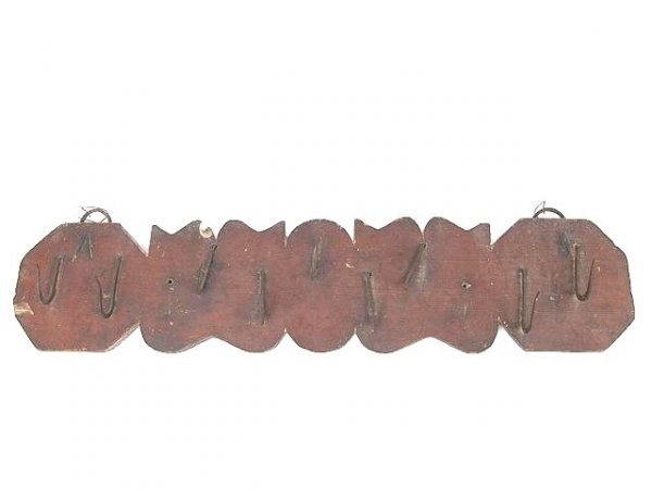 9: 19TH C PRIMITIVE HANGING HOOK RACK WITH NINE FORGED
