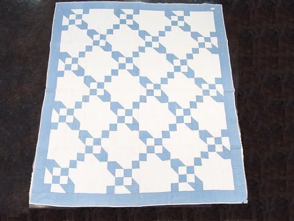 1000: ANTIQUE HAND STITCHED QUILT IN BLUE AND WHITE