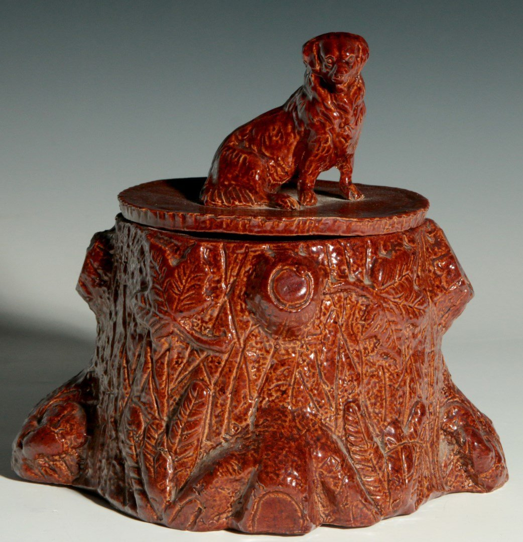 C. 1900 WHAT CHEER CLAY PRODUCTS HUMIDOR WITH DOG