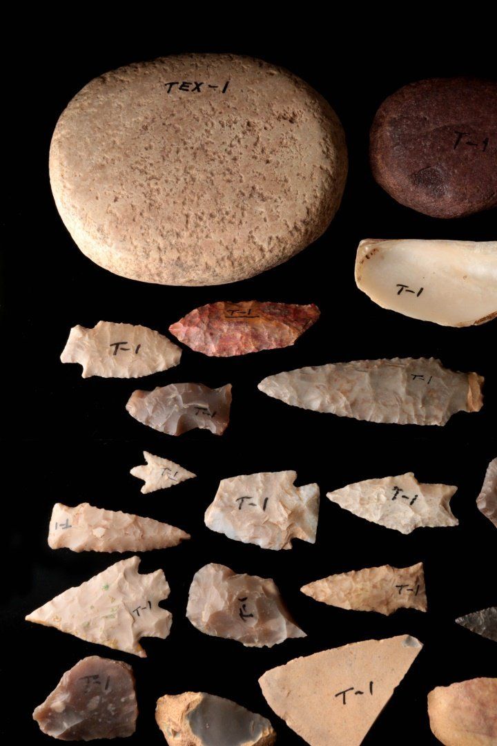 A LARGE GROUP OF TEXAS ARTIFACTS - 4