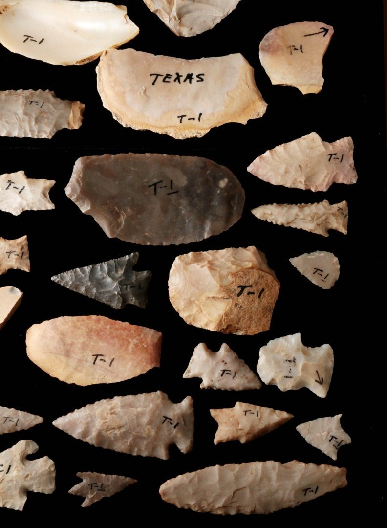 A LARGE GROUP OF TEXAS ARTIFACTS - 6