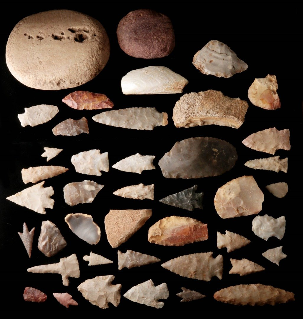 A LARGE GROUP OF TEXAS ARTIFACTS - 7