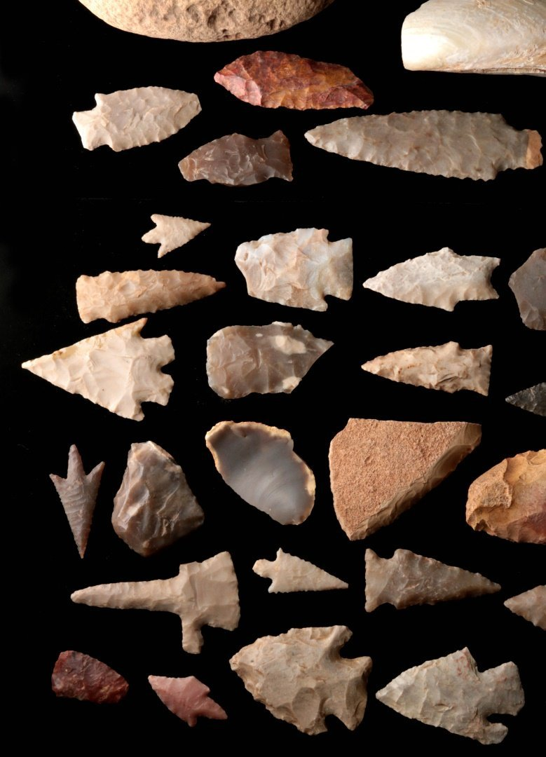 A LARGE GROUP OF TEXAS ARTIFACTS - 8