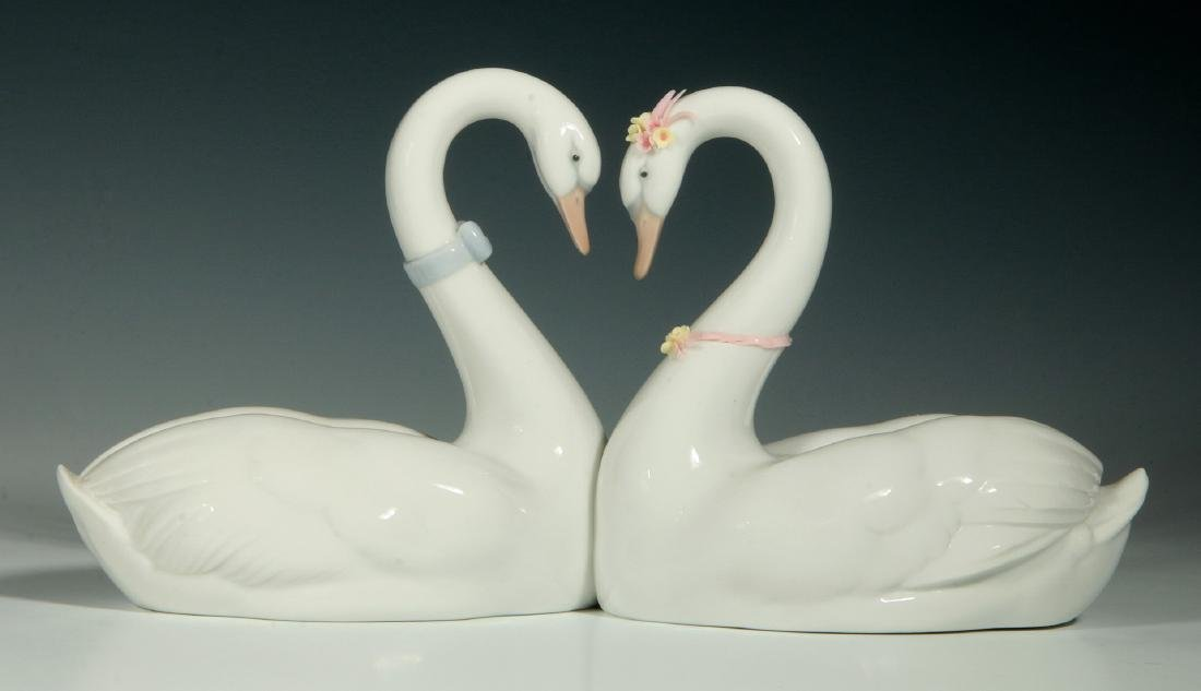 LLADRO 'ENDLESS LOVE', SIGNED FIGURE WITH BOX