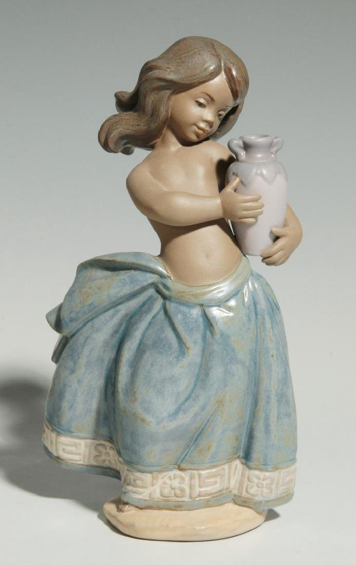 LLADRO 'LITTLE PEASANT GIRL' FIGURE WITH BOX