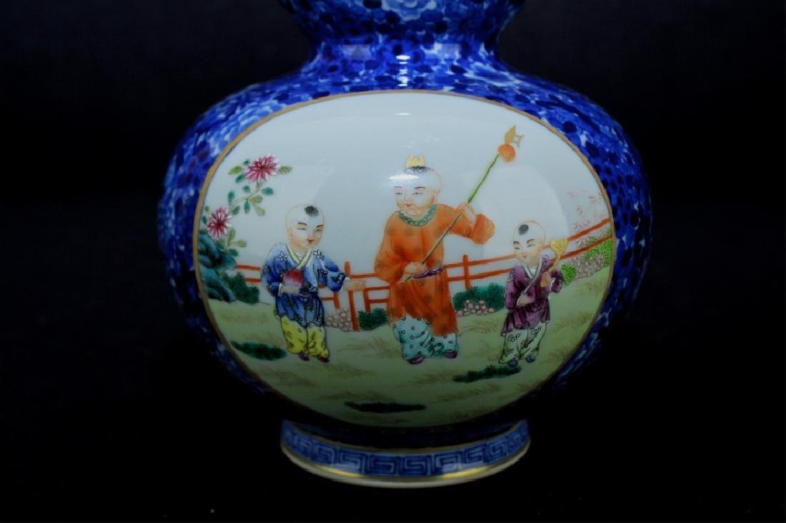 Chinese Qing Porcelain Famille Rose Gourd Vase - 4