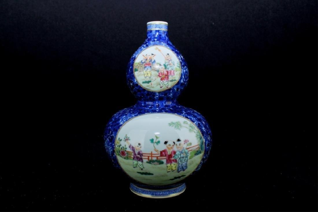 Chinese Qing Porcelain Famille Rose Gourd Vase - 6