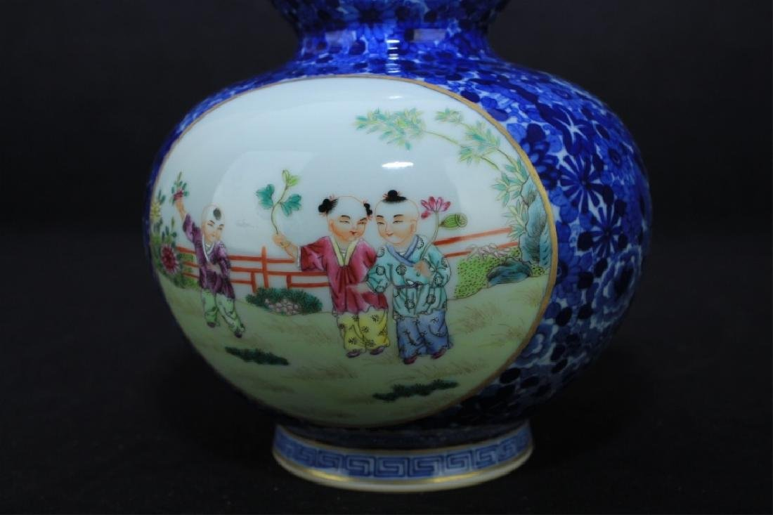 Chinese Qing Porcelain Famille Rose Gourd Vase - 8