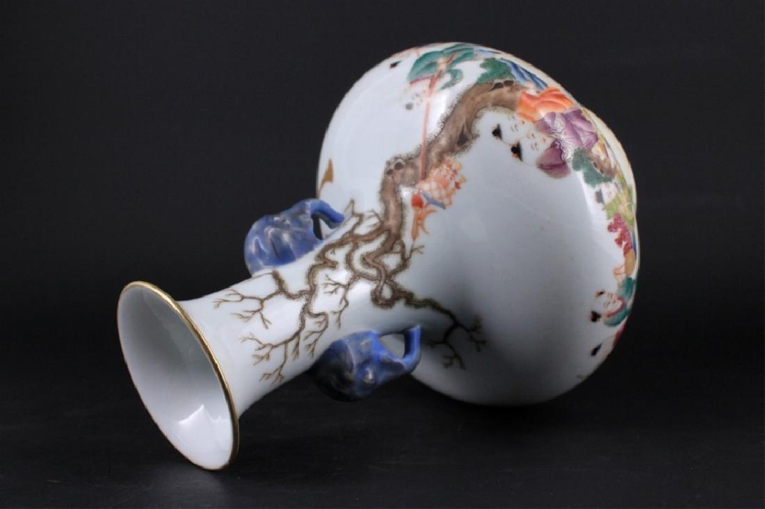 Chinese Qing Porcelalin Famille Rose Vase - 5