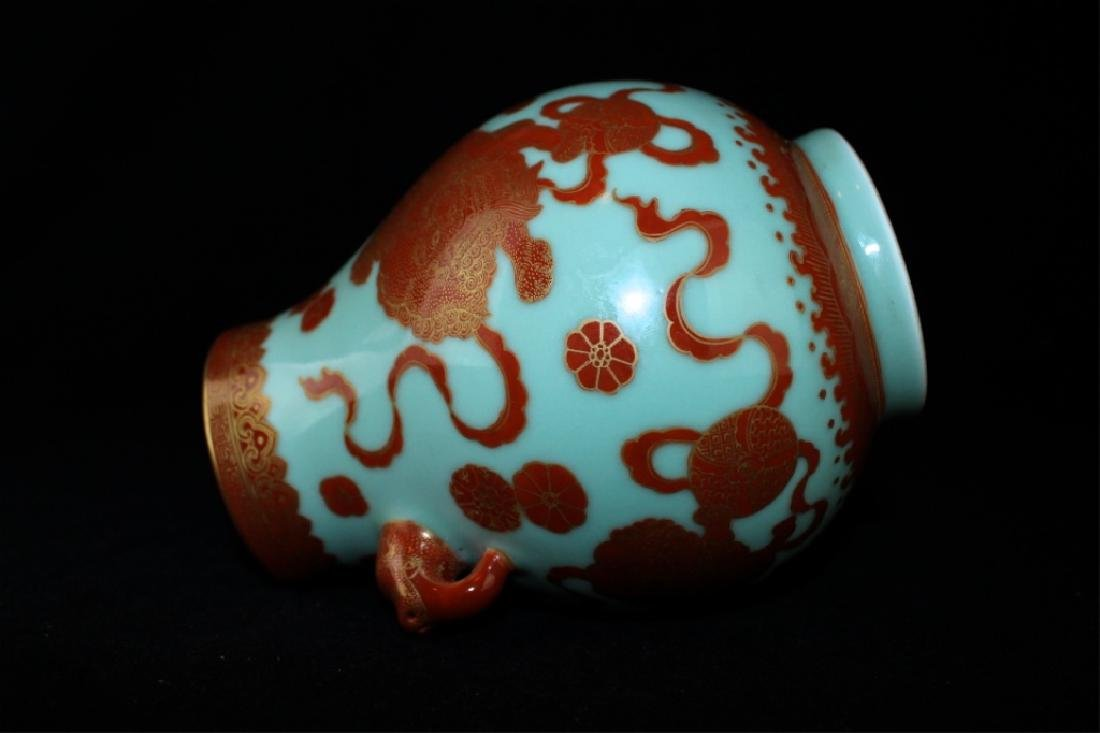 Chinese Qing Porcelain Gilted Gold Lion Vase - 9