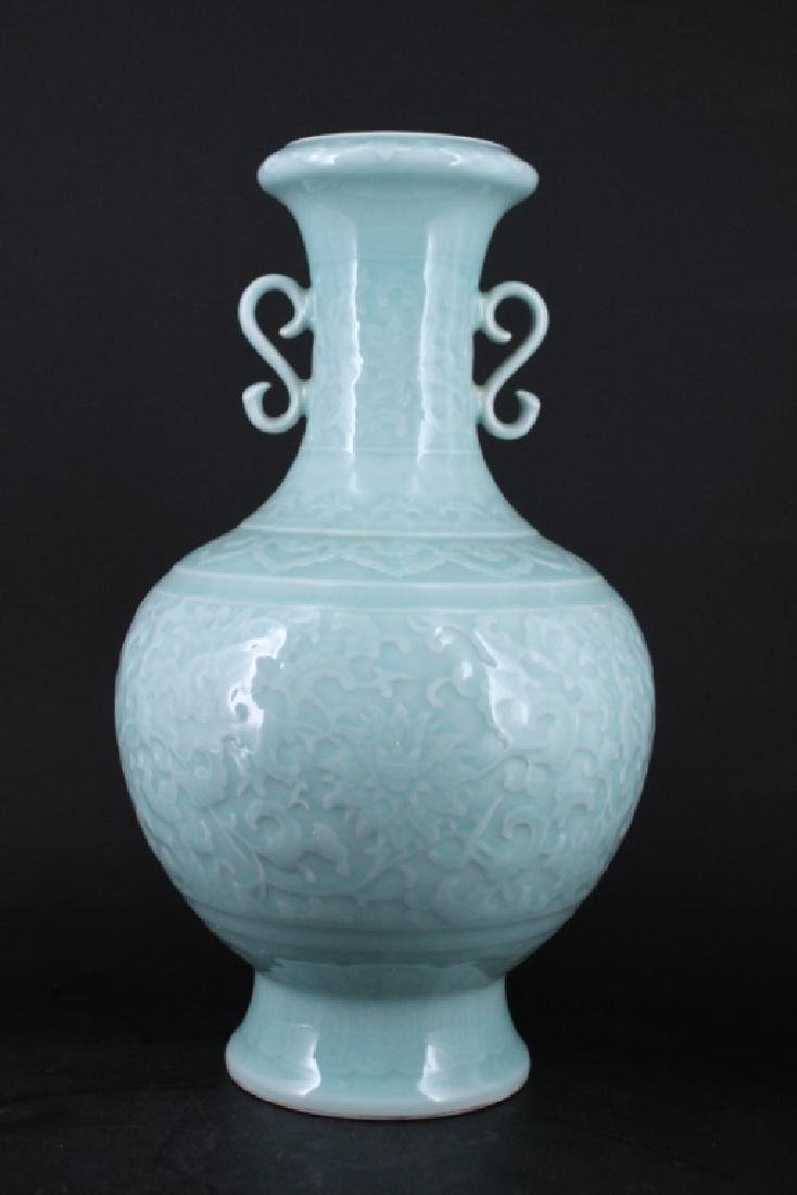 Large Chinese Qing Porcelain Vase - 5