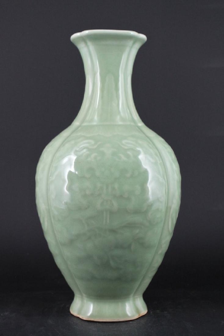 Chinese Qing Porcelain yingqing Vase