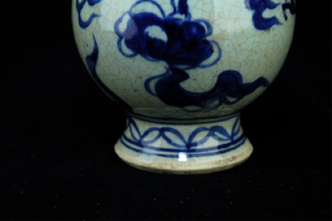 Chinese Porcelain Blue&White Vase - 4