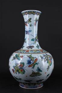 Large Chinese Qing Porcelain WuCai Vase