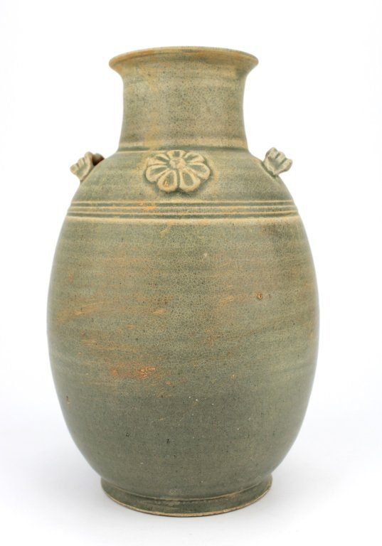 Chinese Song Dynasty Yue Yao Vase