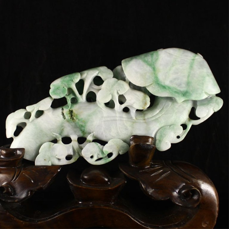 Old Chinese Jade/Jadiete Figure