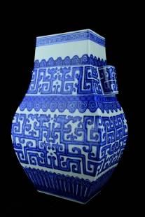 Large Chinese Qing Porcelain Blue&White Vase