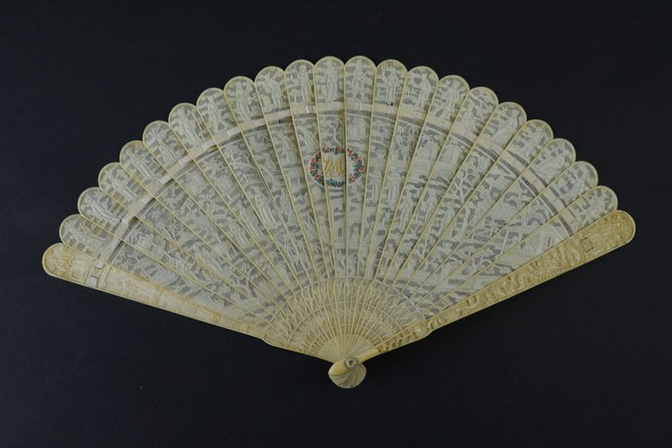 19th Century Chinese Export Ivory Fan