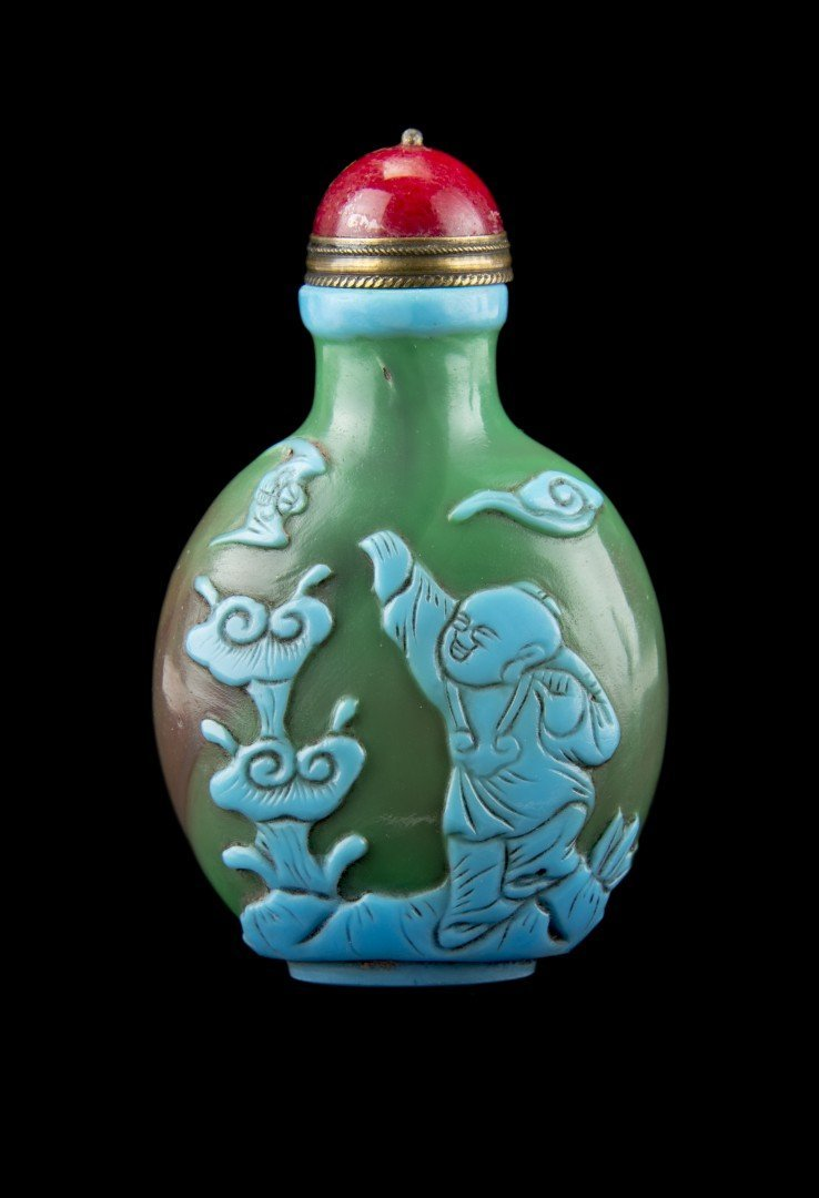 A Green Peking Glass Snuff Bottle with Overlay