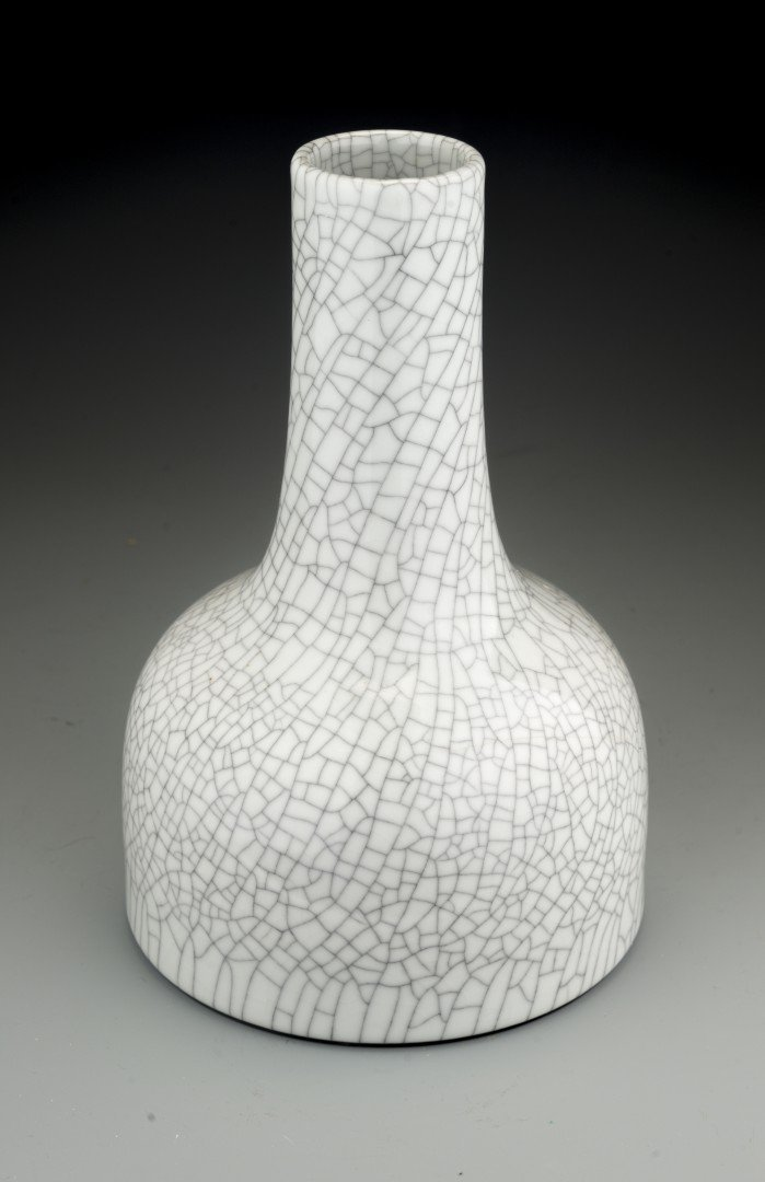 A Rare Ge-type Glazed Mallet Vase, Qianlong Mark and