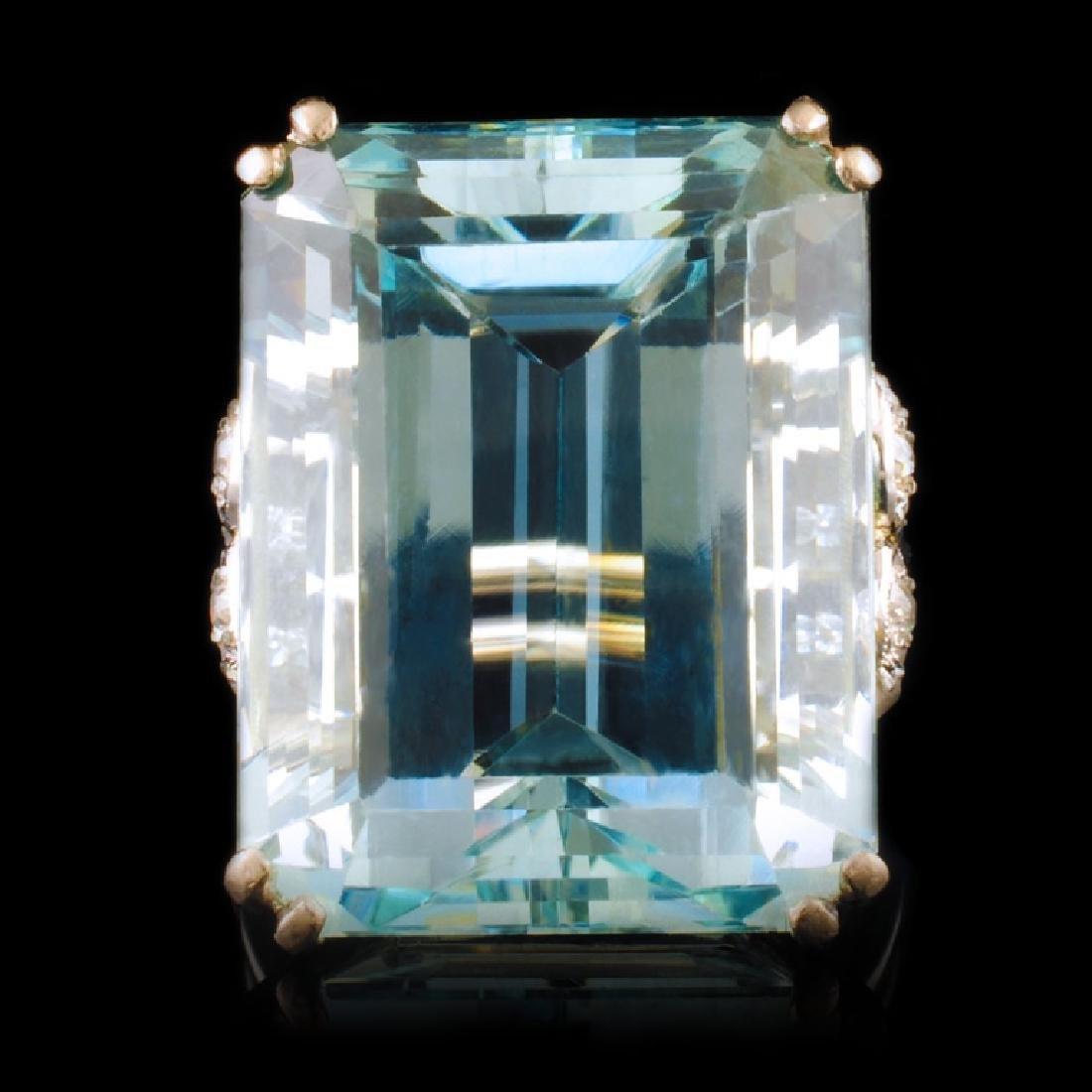 18k White Gold 33.5ct Aquamarie &.33ctw Diamond Es