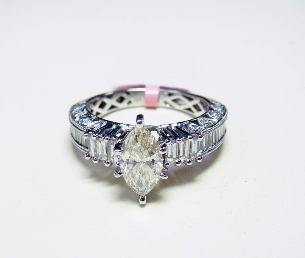 55: 18KT Gold, 1.87ctw Diamond Solitaire Ring