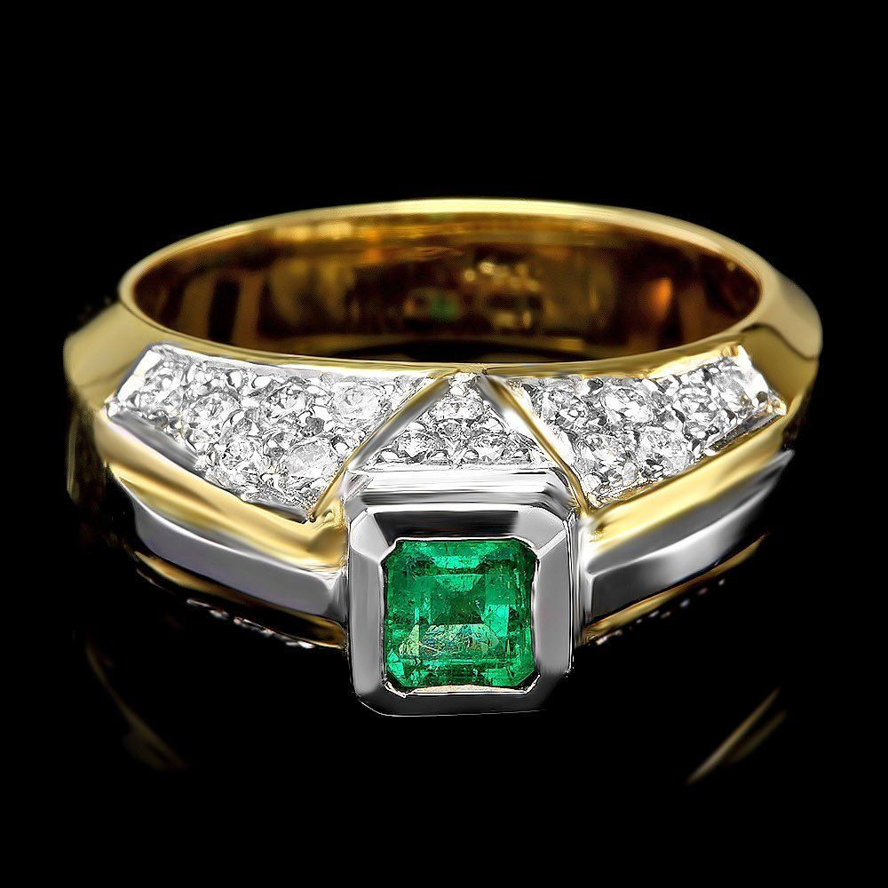 325B: 14k Gold .85ct Emerald .90ct Diamond Ring