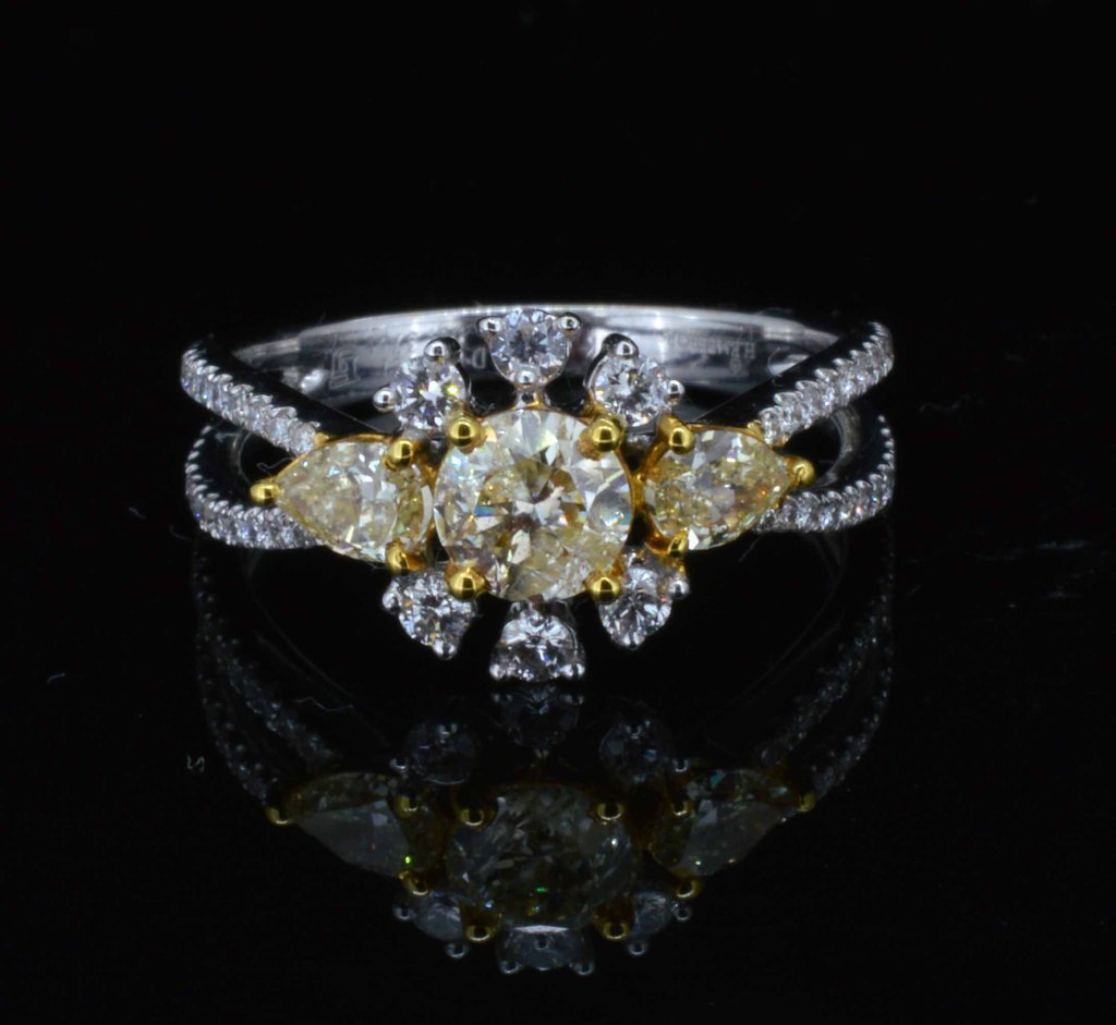 18KT White Gold, 1.31ctw Fancy/White Diamond Ring