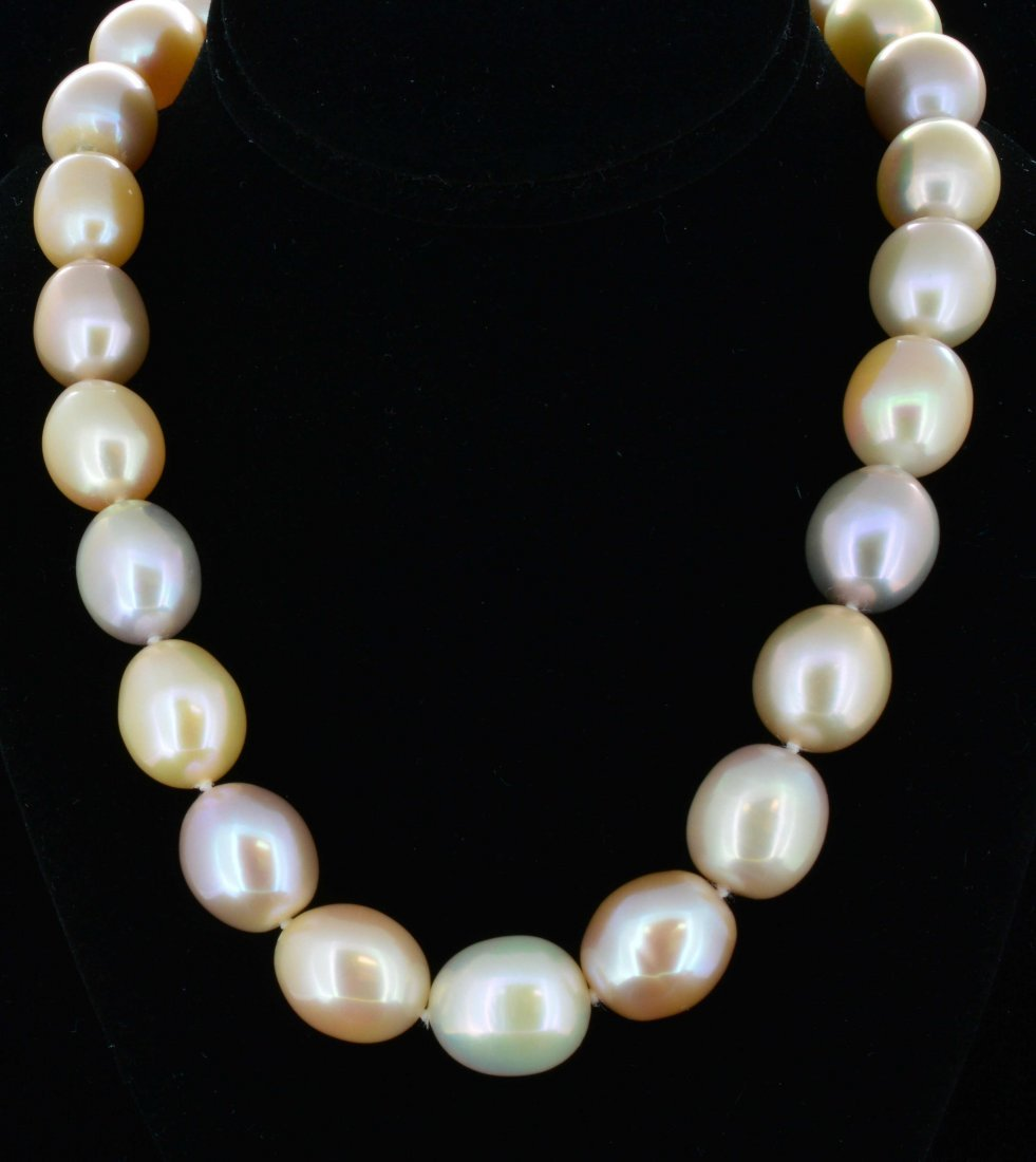 Pearl Necklace w/ Silver clasp