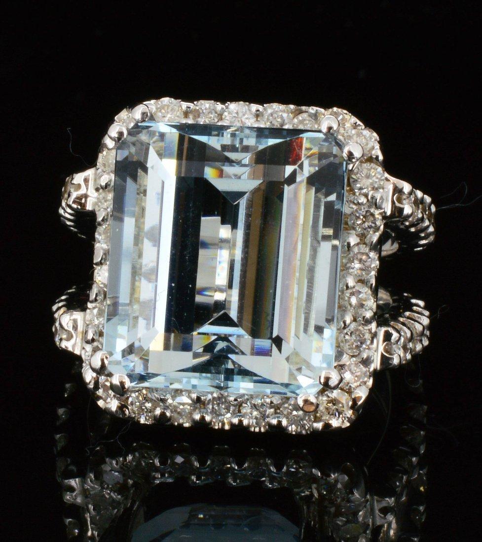 14K Gold, 13.36CT Natural  Aquamarine & Diamond  Ring