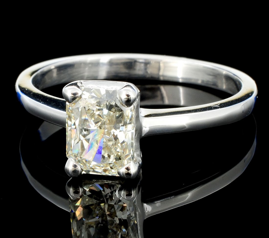 18K White Gold 1.01ct Diamond Solitaire Ring