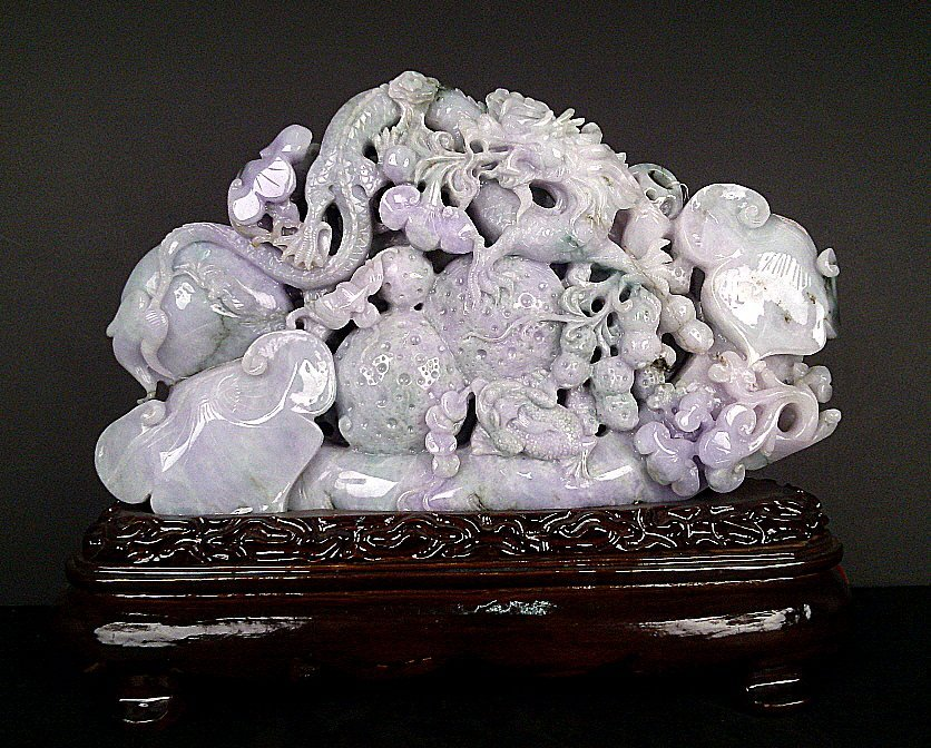 1050: Lavender Jadeite Carving Dragon, Ivy & Scepter