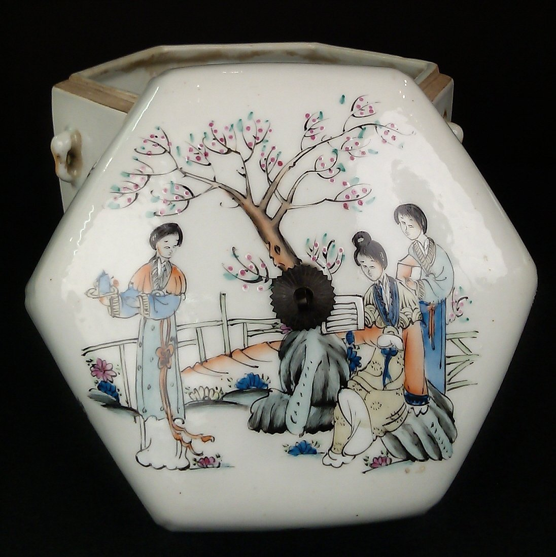 Porcelain Famille Rose Hexagon Jar w/ Lid - 5