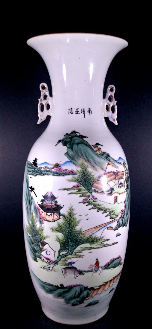 SIGNED CHINESE FAMILLE ROSE LARGE VASE-ZHANG HE SHUN