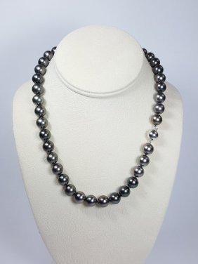 A Black South Sea Pearl Necklace