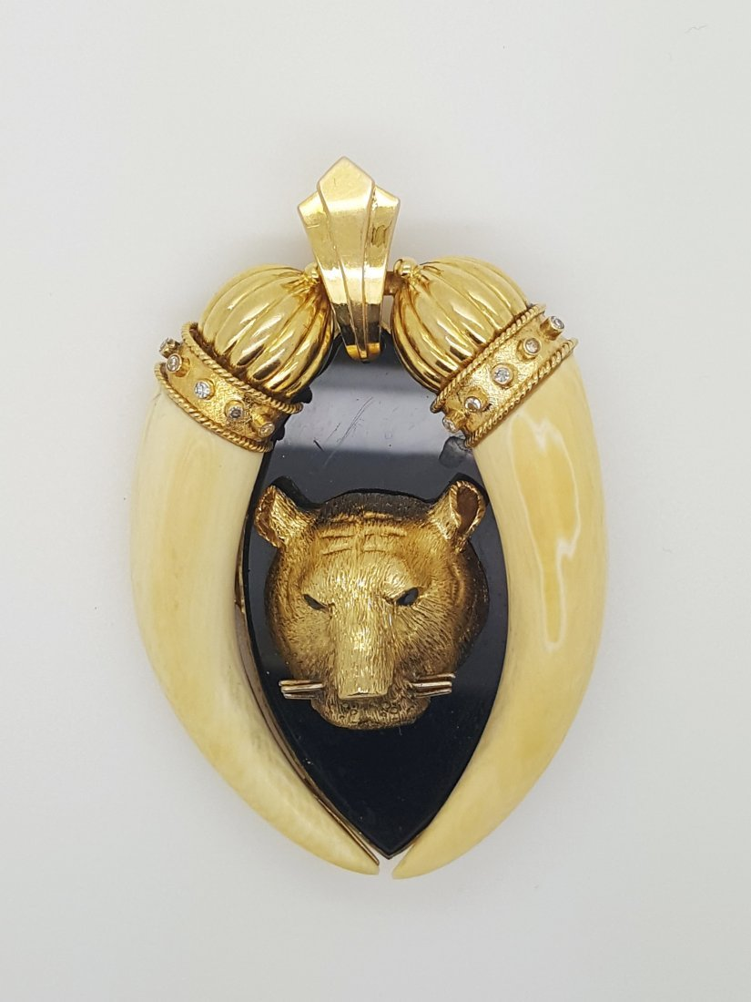 A Rare Vintage 14k Gold Tiger Pendant/Brooch