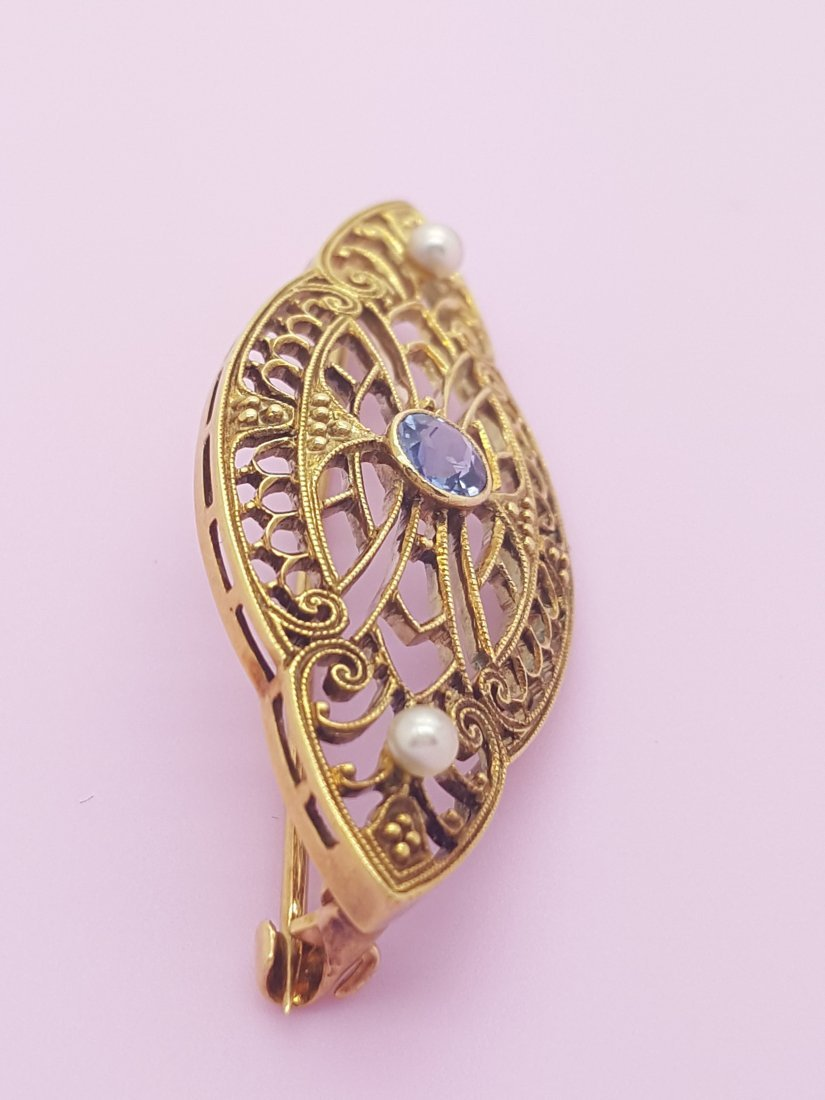 An Old 14k Yellow Gold Brooch Pin with Sapphire and - 4