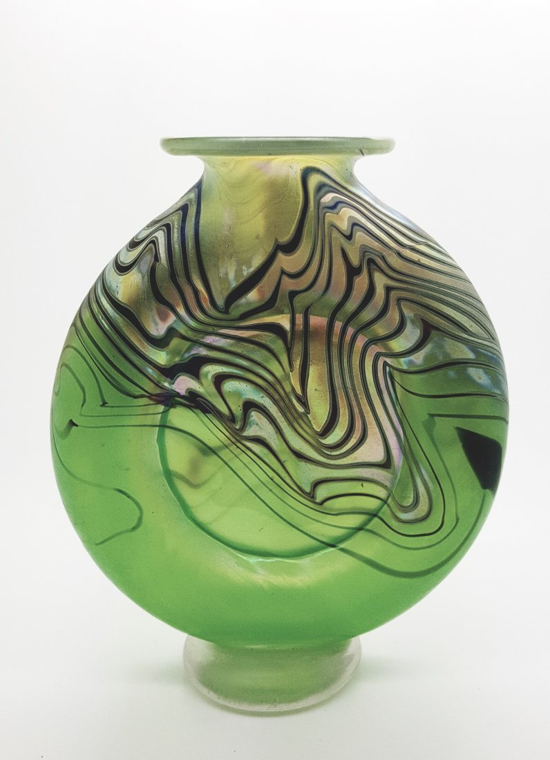 A signed American art glass vase early 1900
